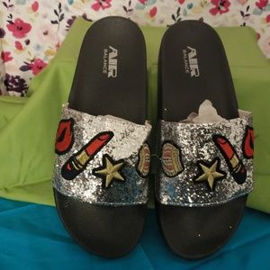 AIR BALANCE GLITTER AND PATCHES SLIDES